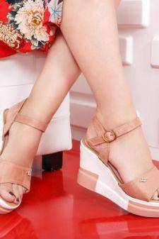 [HENRI] Sandale Lalomi roz cu platforma