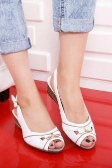 Sandale Bozgota albe cu platforma
