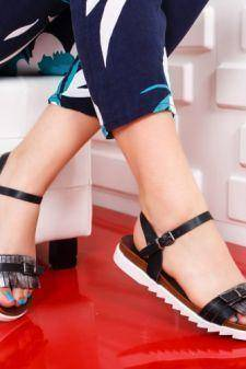 Sandale Bunisa negre cu talpa joasa