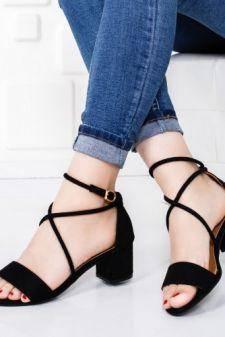 Sandale Chelau negre elegante