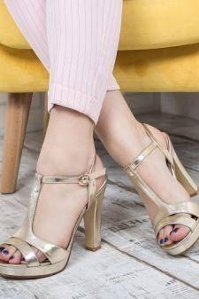 Sandale Clavette aurii cu toc gros si bareta