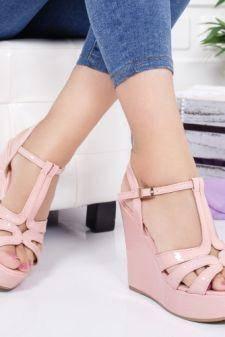 Sandale Crina roz cu platforma