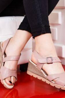 Sandale Piele Badei roz cu platforma