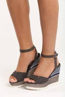 Sandale cu platforma Kyra Black