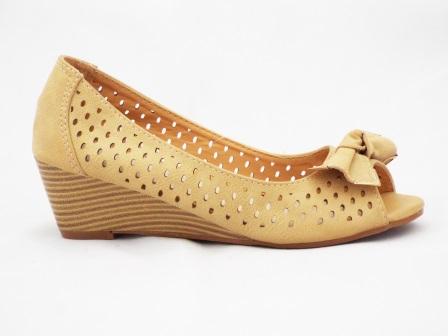 Sandale dama bej din material perforat